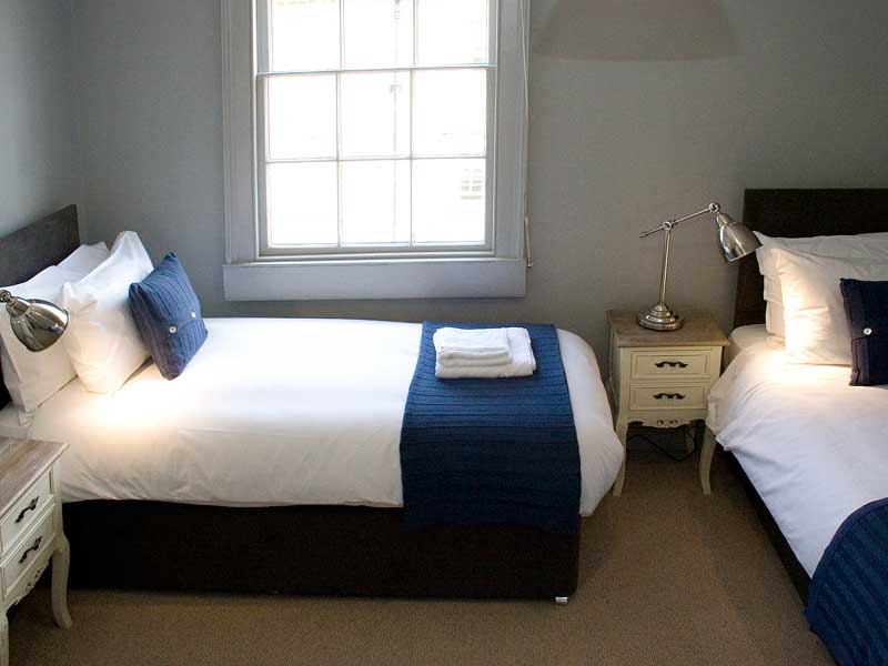 luxury self catering accommodation for up to 14 in bath