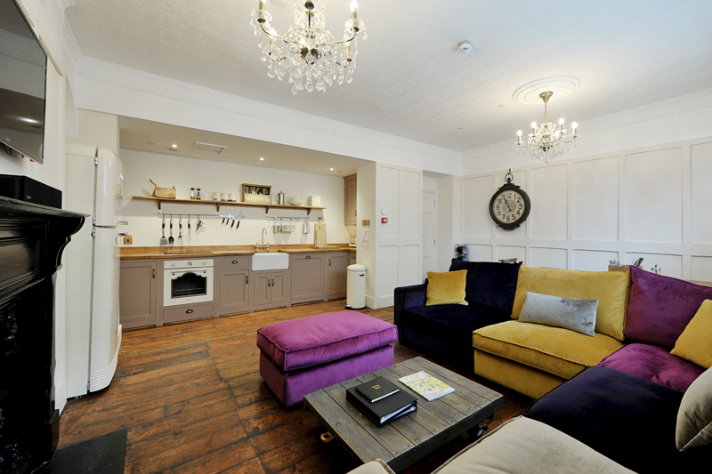 Lounge, kitchen, diner. Fully equipped for self catering holidays.